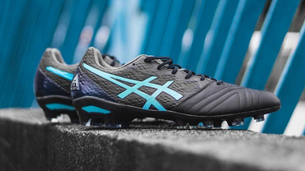 Nouvelle chaussure signature pour Andres Iniesta : l'Asics Ultrezza AI