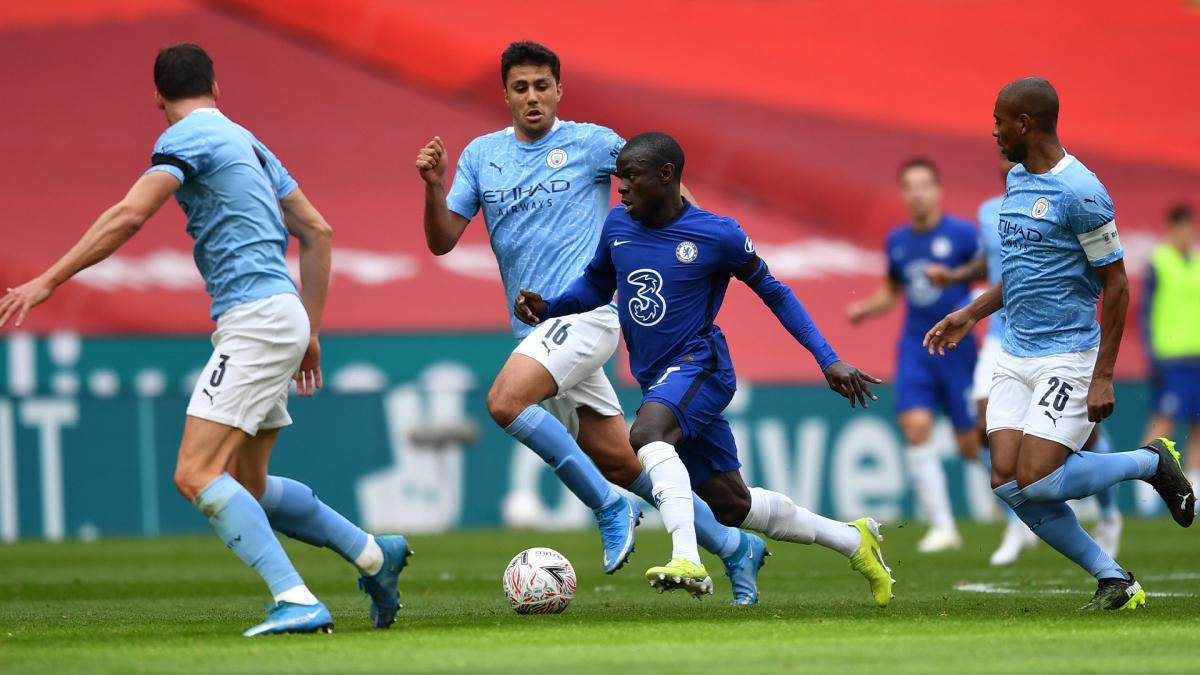 N'Golo Kanté vs Manchester City