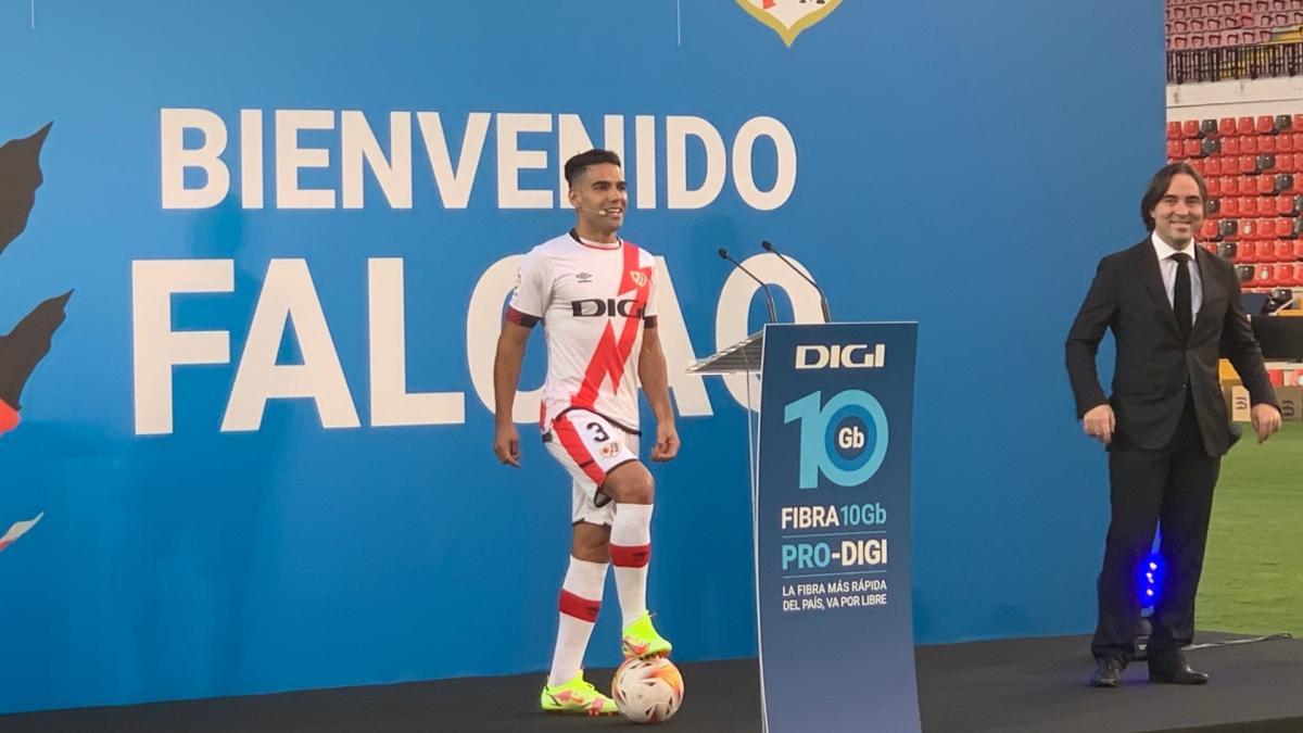 Radamel Falcao justifie le choix du numéro 3 pour son maillot