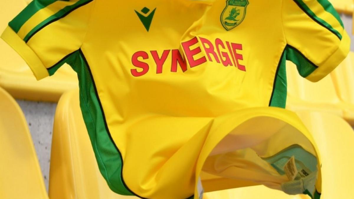 Le FC Nantes réédite son maillot de la saison 2000-2001 !