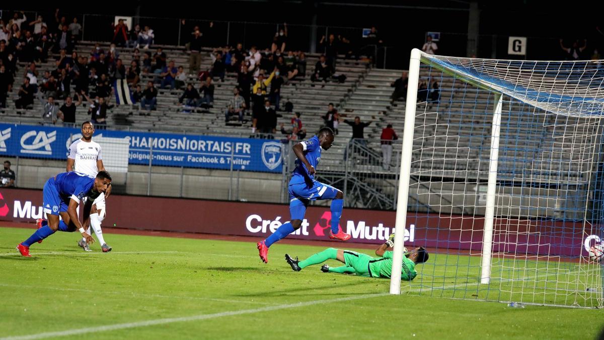 Ligue 2 : le Paris FC giflé à Niort, Nancy inquiète encore et toujours