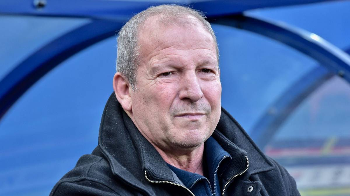 Rolland Courbis Favorite Ahead Of Raymond Domenech