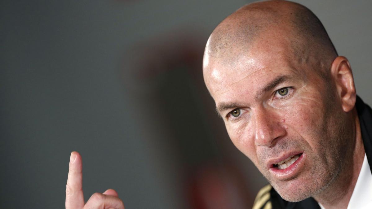 Real Madrid : Zinedine Zidane fait front face à l'ouragan médiatique