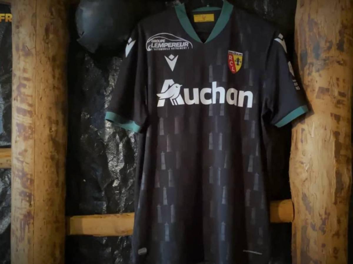 Le RC Lens dévoile son maillot extérieur pour la saison 2020/2021