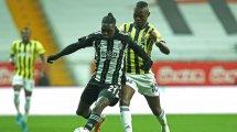 Turquie : un joueur de Besiktas victime d'un malaise en plein match