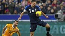 Equipe de France : les Bleus volent au secours de Clément Lenglet