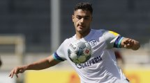 Schalke 04 : le football allemand réagit au crachat d'Ozan Kabak