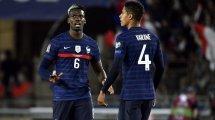 MU : Paul Pogba heureux de l'arrivée de Raphaël Varane cet été