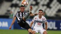 Brésil : le tacle horrible d'un défenseur du Clube de Regatas contre Botafogo