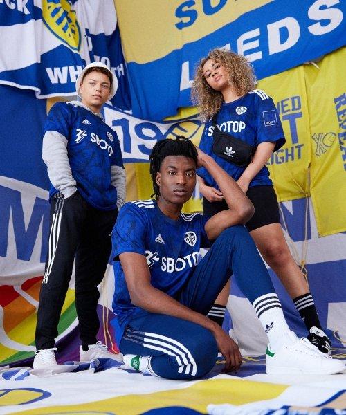adidas présente le maillot extérieur 2021-2022 de Leeds