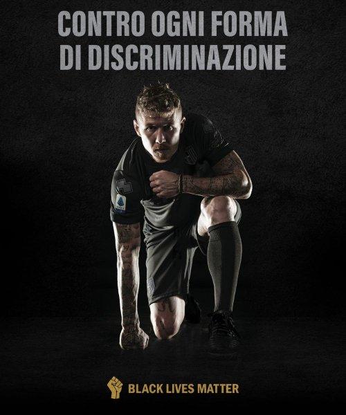 Le maillot porté par les joueurs de Parme face à Sassuolo