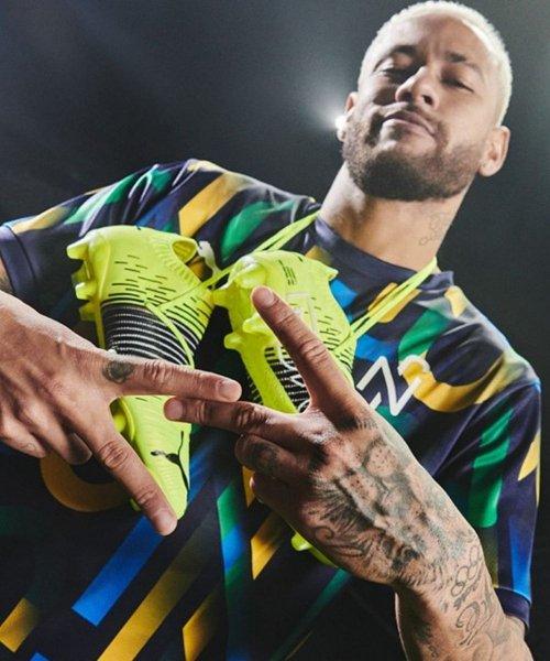 Neymar avec sa paire de Puma Future Z
