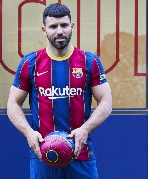 Sergio Aguero avec le maillot du Barça