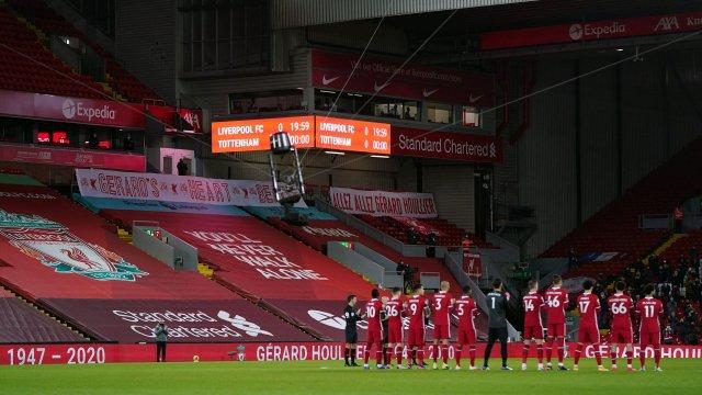 Anfield lors de l'hommage à Gérard Houllier