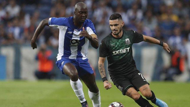 Rémy Cabella en tour préliminaire de la Ligue des Champions contre le FC Porto