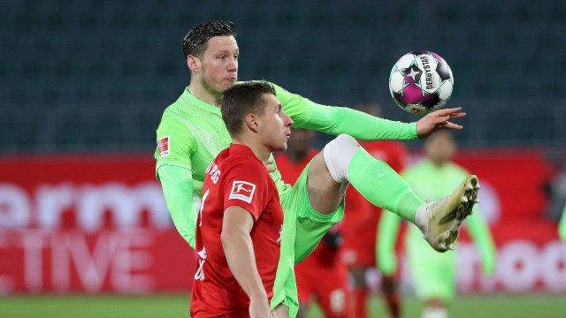 Willi Orban (Leipzig) contre le VfL Wolfsbourg