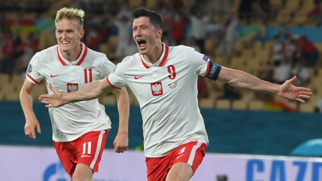 Robert Lewandowski face à l'Espagne