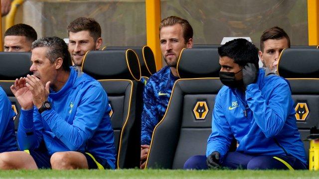 Harry Kane sur le banc de touche face à Wolverhampton.