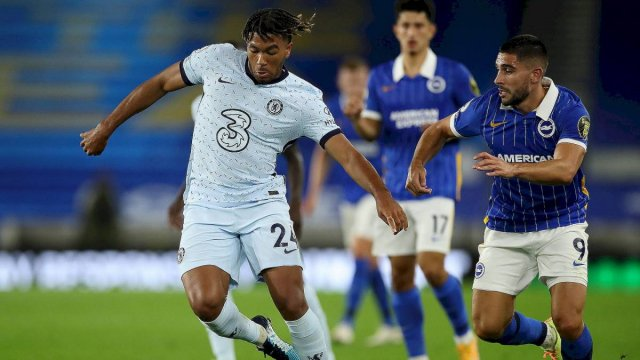 Reece James face à Neal Maupay