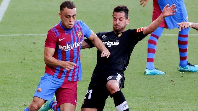 Sergiño Dest sous le maillot du FC Barcelone