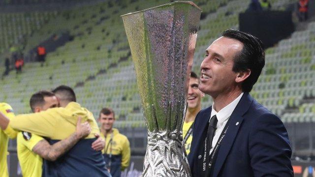 Unai Emery soulève sa 4e Europa League