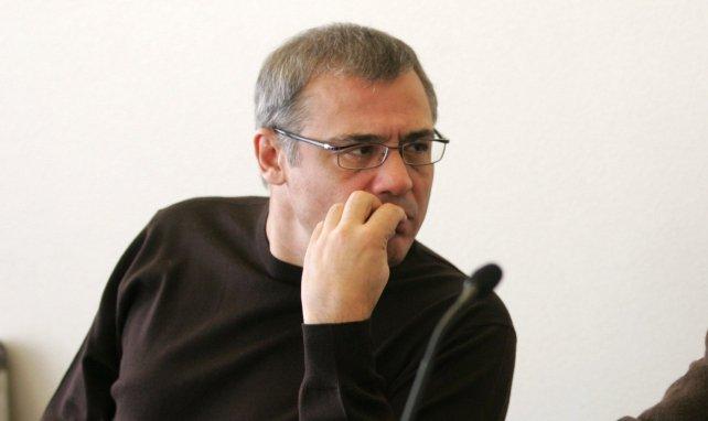 Louis Acariès en conférence de presse