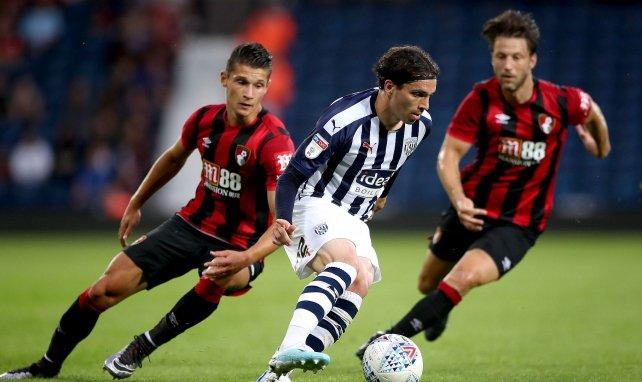 Alex Dobre sur la gauche contre West Bromwich Albion