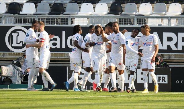 Les joueurs d'Amiens fêtent un but