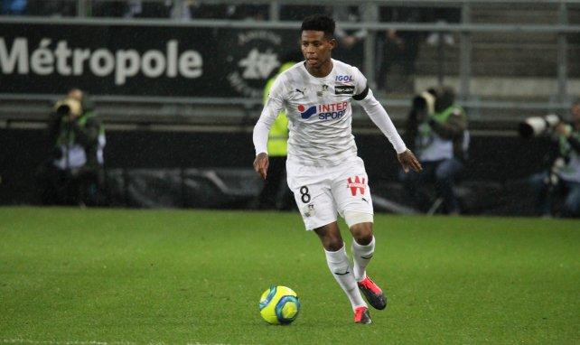 Bongani Zungu et Amiens perdent leur sponsor principal