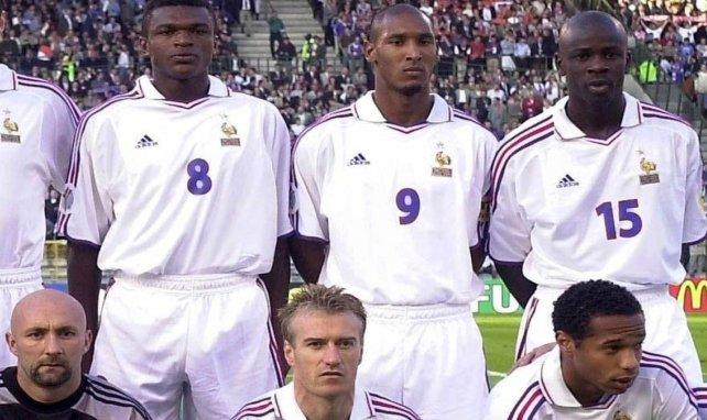 L'équipe de France avec Nicolas Anelka et Didier Deschamps lors de l'Euro 2000