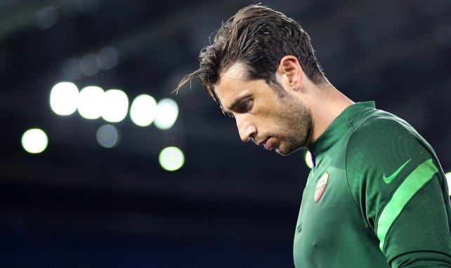 Antonio Mirante signe à l'AC Milan