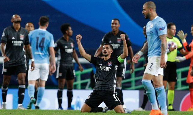 Houssem Aouar laisse éclater sa joie après la victoire contre Manchester City
