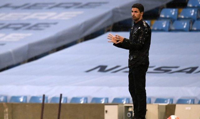 Mikel Arteta semble bien seul en ce moment