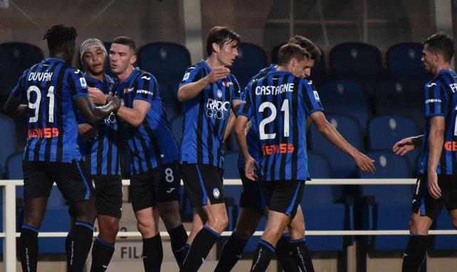 Les joueurs de l'Atalanta Bergame fêtent un but contre Bologne