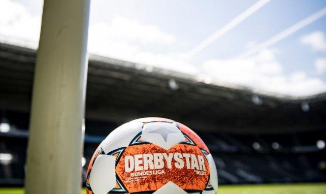 Derbystar présente le ballon de la Bundesliga pour la saison 2021-2022