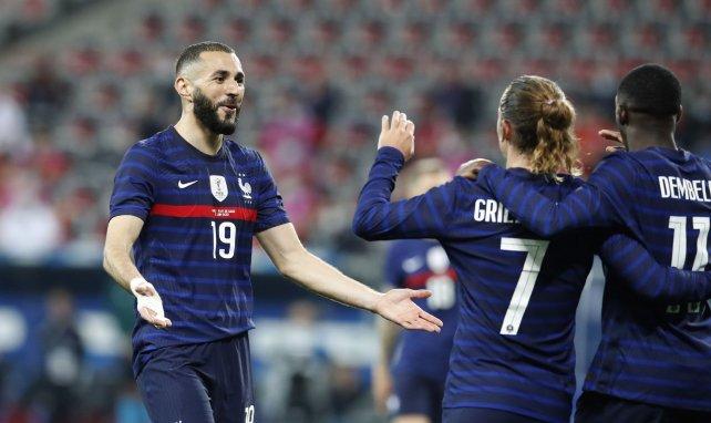 Benzema, Antoine Griezmann et Ousmane Dembélé se congratulent