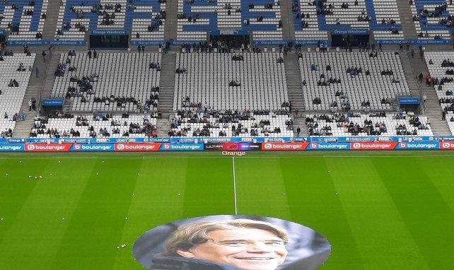 OM : le bel hommage du Vélodrome à Bernard Tapie