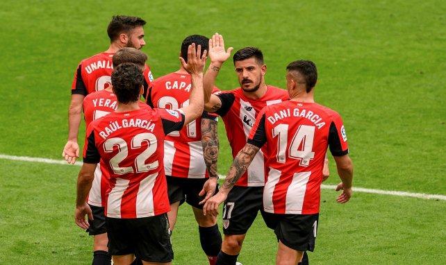 Les joueurs de Bilbao se congratulent après un but