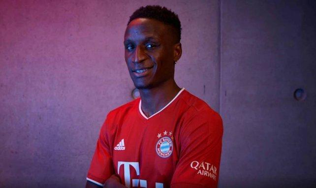 Bouna Sarr avec le maillot du Bayern Munich