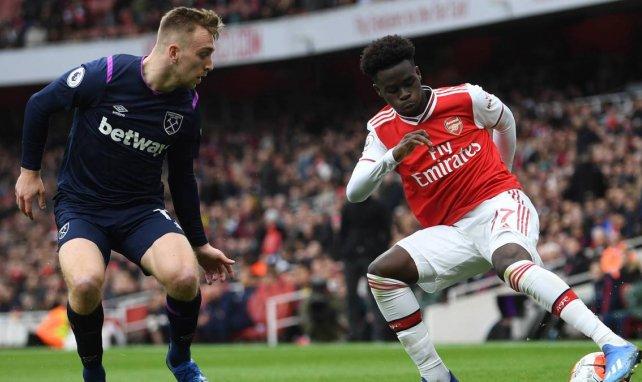 Bukayo Saka en action avec son club d'Arsenal