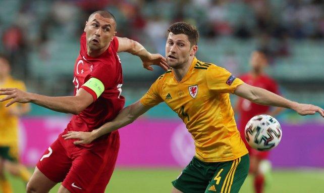 LIVE : Gareth Bale manque totalement son penalty !