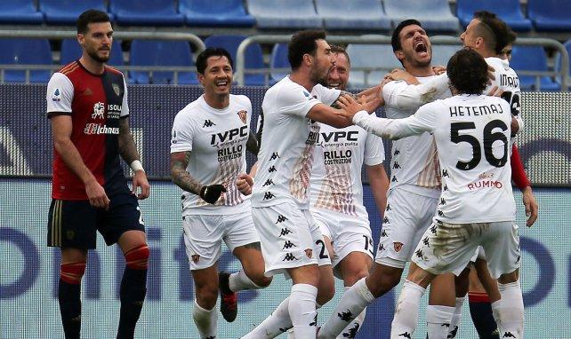 Les joueurs de Benevento célèbrent un but contre Cagliari