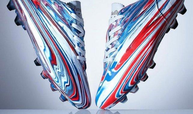 Pantofola d'Oro offre une paire de crampons inédite à Steven Gerrard