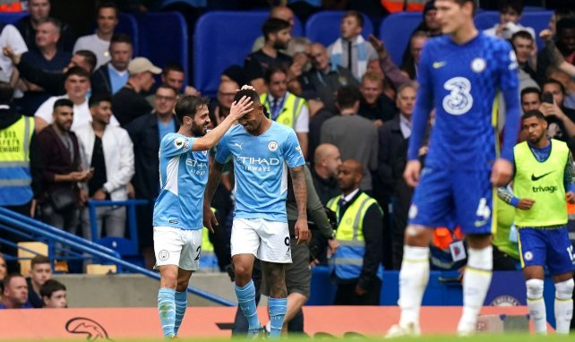 Premier League : Manchester City fait chuter Chelsea, Manchester United surpris par Aston Villa
