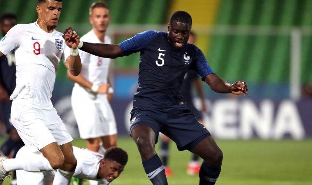 Dayot Upamecano avec le maillot de l'Equipe de France Espoir