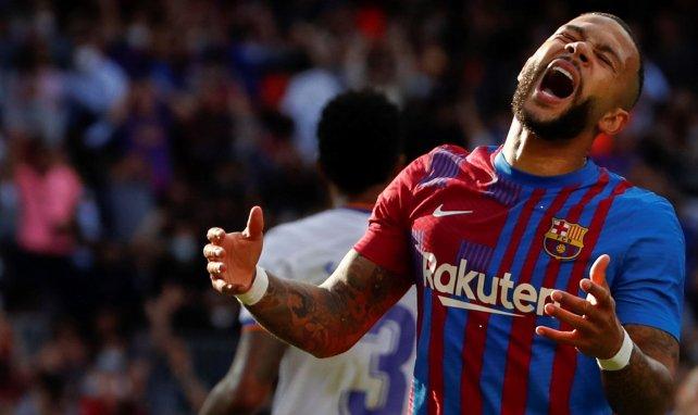FC Barcelone : Memphis Depay se fait fracasser