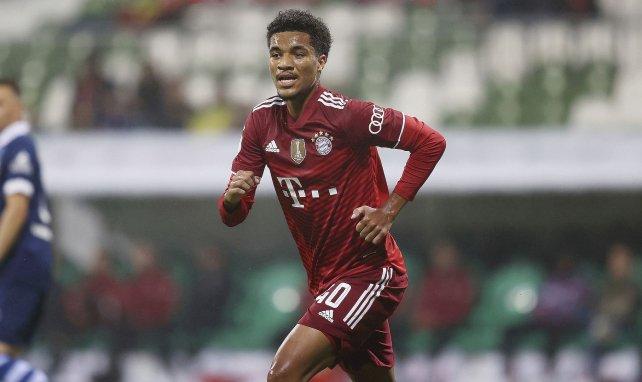 Malik Tillman avec le Bayern Munich contre le Bremer SV