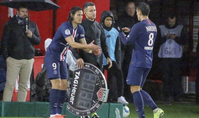Edinson Cavani entre en jeu lors d'un match du PSG