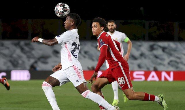 Vinicius Junior prend le meilleur sur Trent Alexander-Arnold
