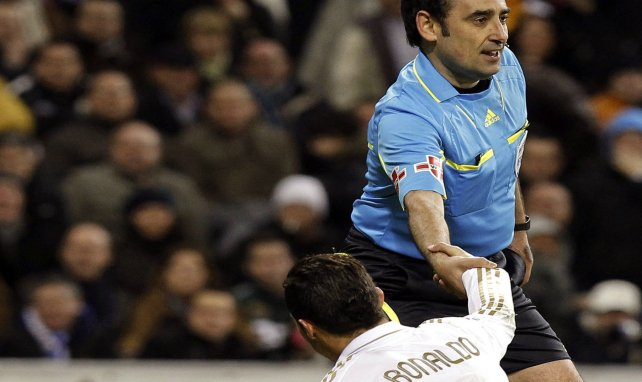 Les arbitres préfèrent le Real — Barça
